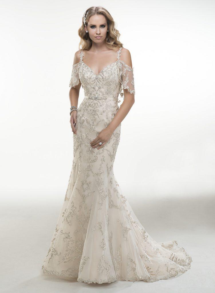 Бежевое свадебное платье с пайетками