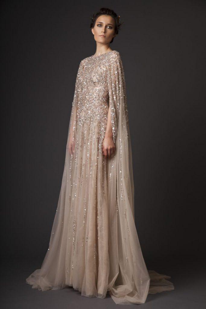 Бежевое свадебное платье с камнями