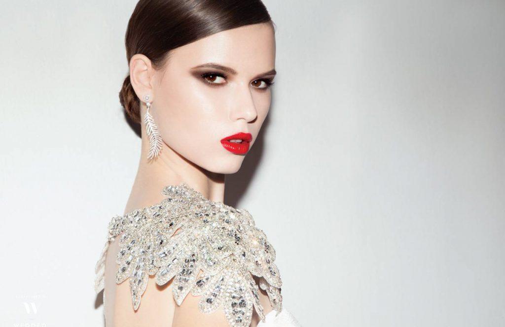 Модное платье с камнями
