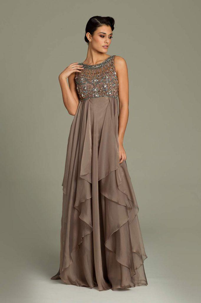 Коричневое вечернее платье с камнями