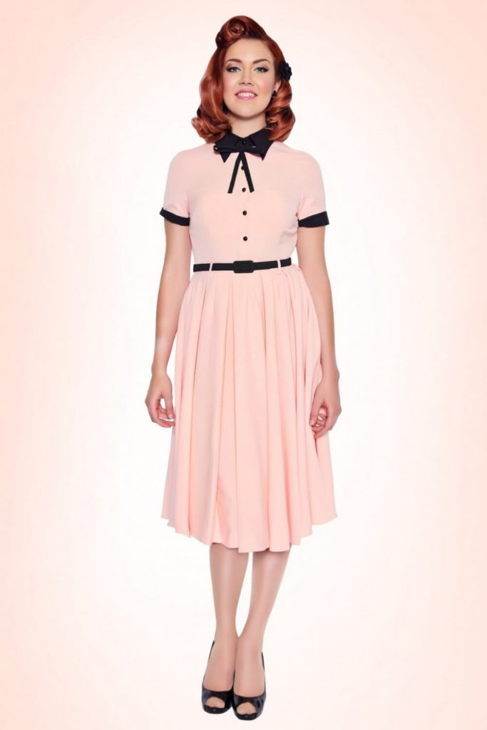 Черно-розовое платье в стиле ретро