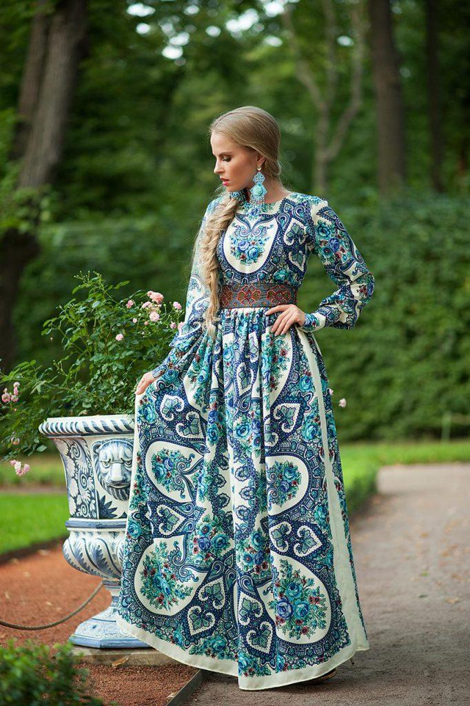 Длинное платье в русском стиле
