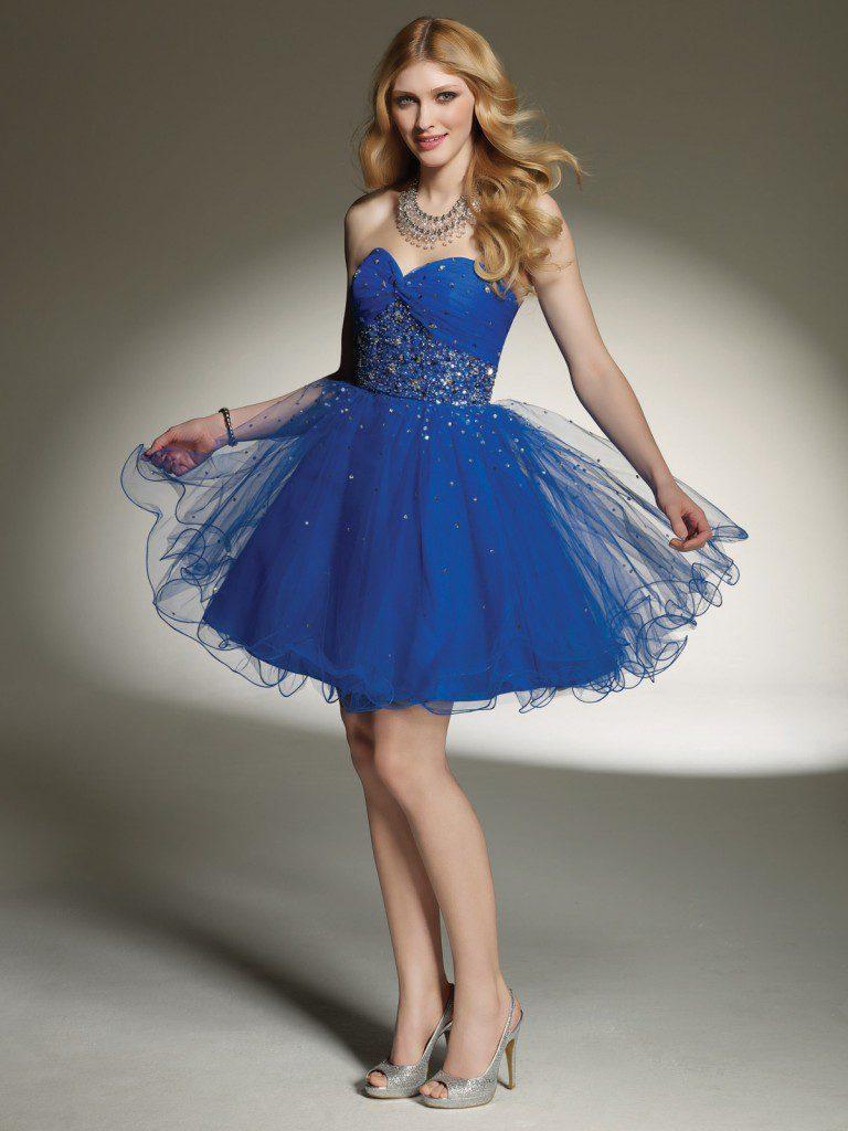 Серебристые туфли с синим платьем