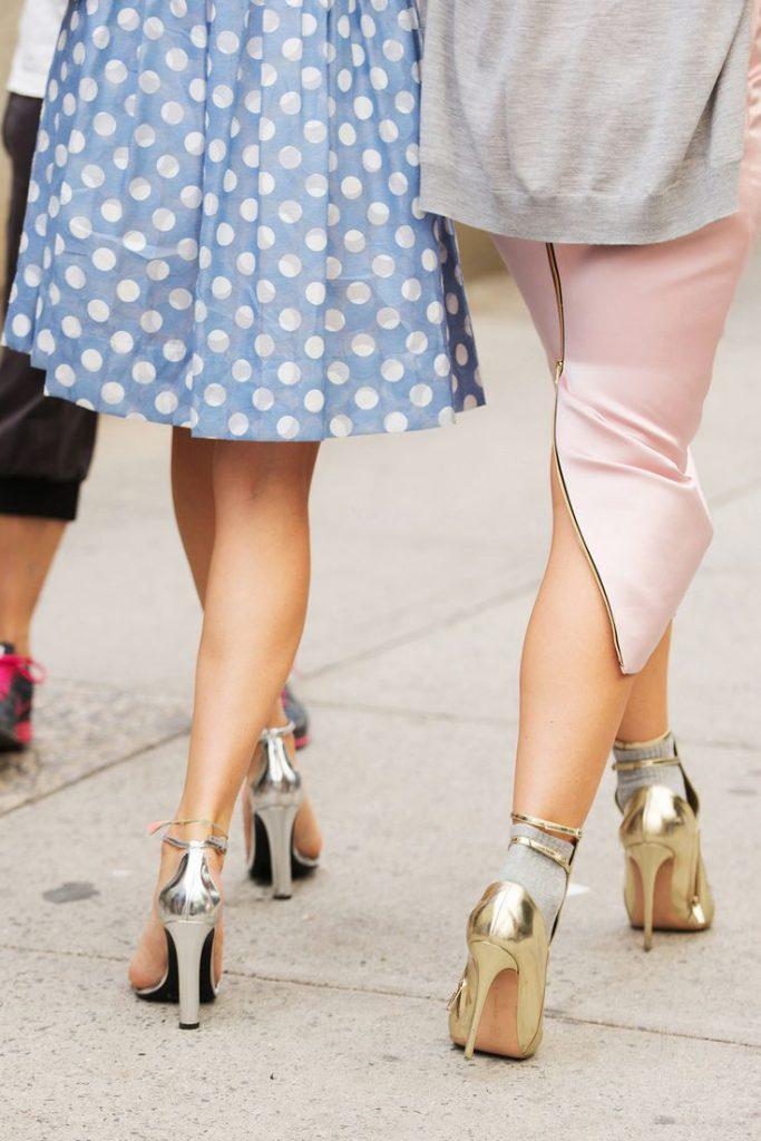 Серебряные и золотые туфли