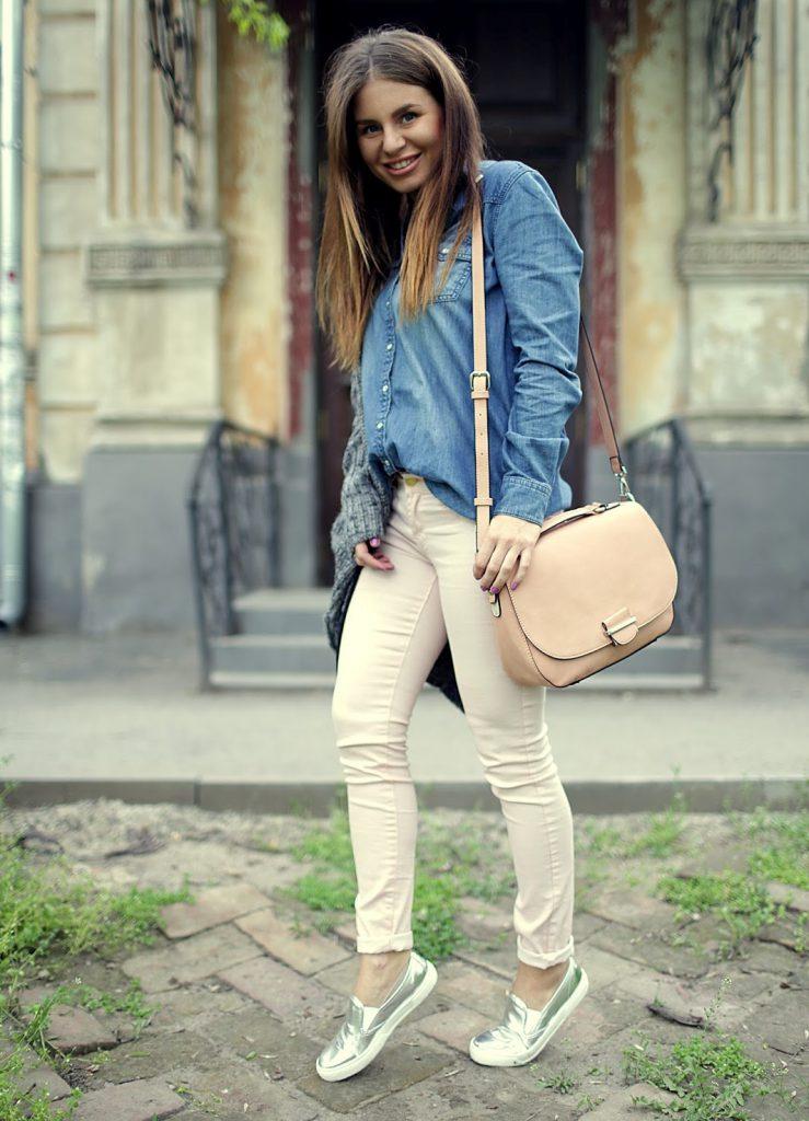 Серебристые слипоны с брюками