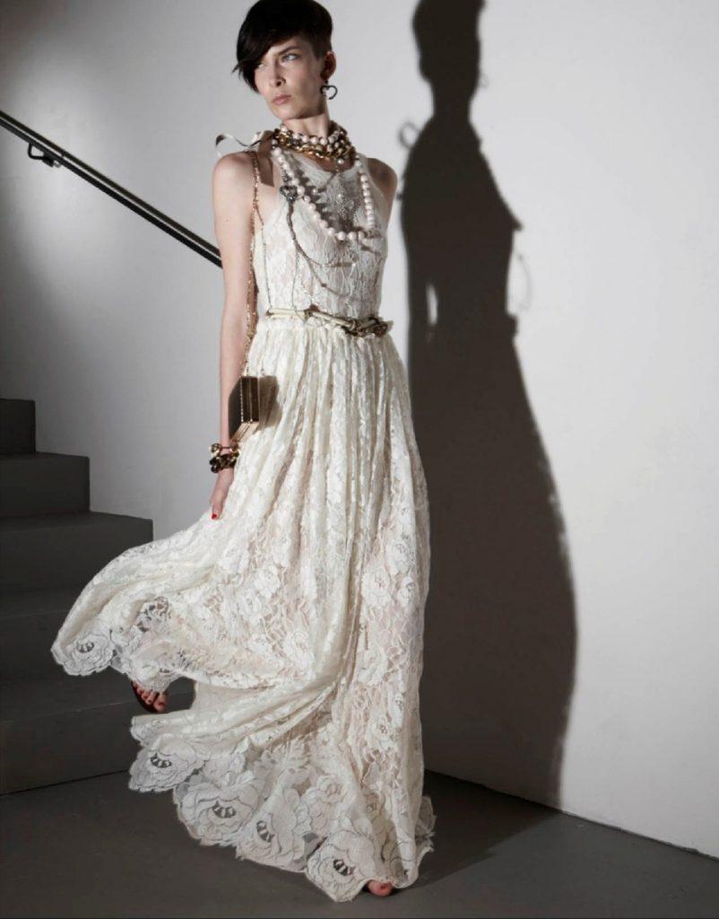 Модное белое платье невесты в стиле бохо шик