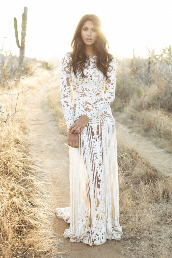 Красивое белое свадебное платье в стиле бохо