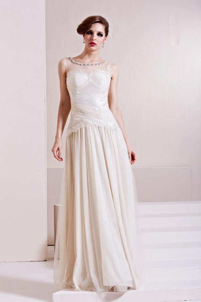 Свадебное платье в стиле ампир с кружевом