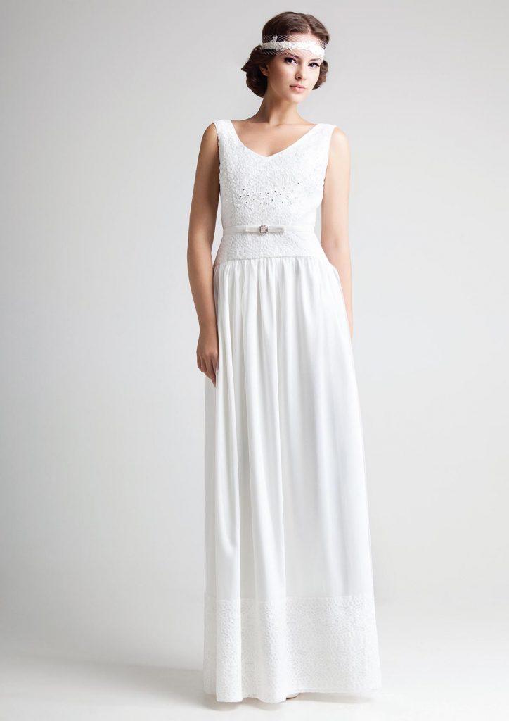 Белое свадебное платье в стиле ампир с поясом