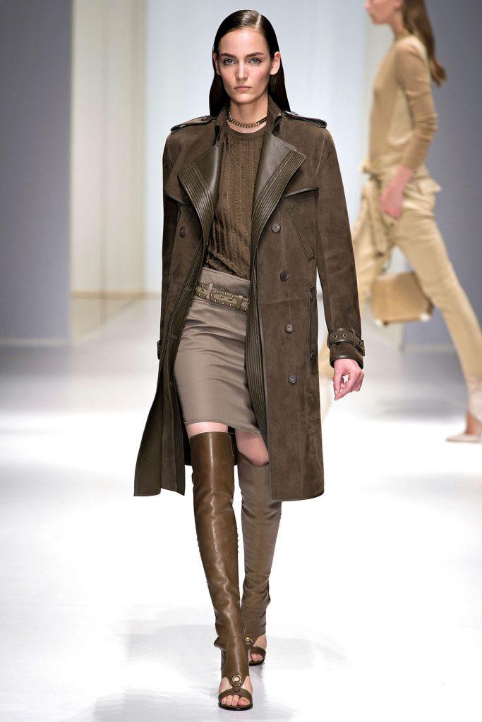 Коричневое замшевое пальто
