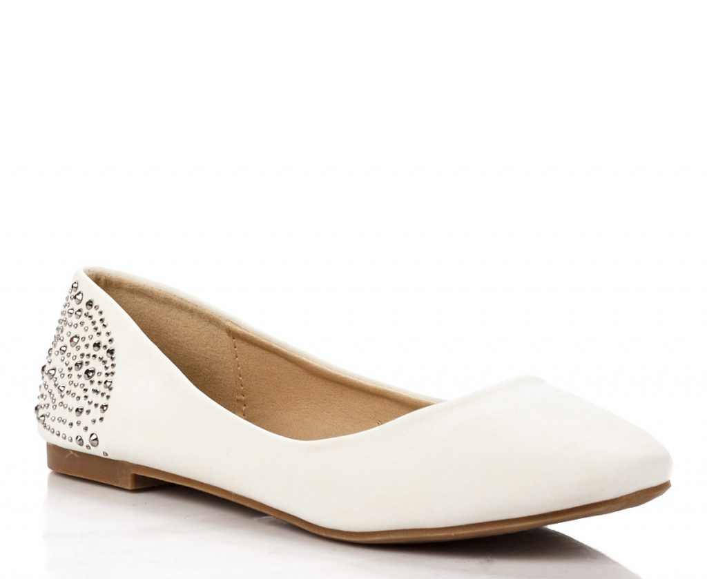 Модные белые балетки