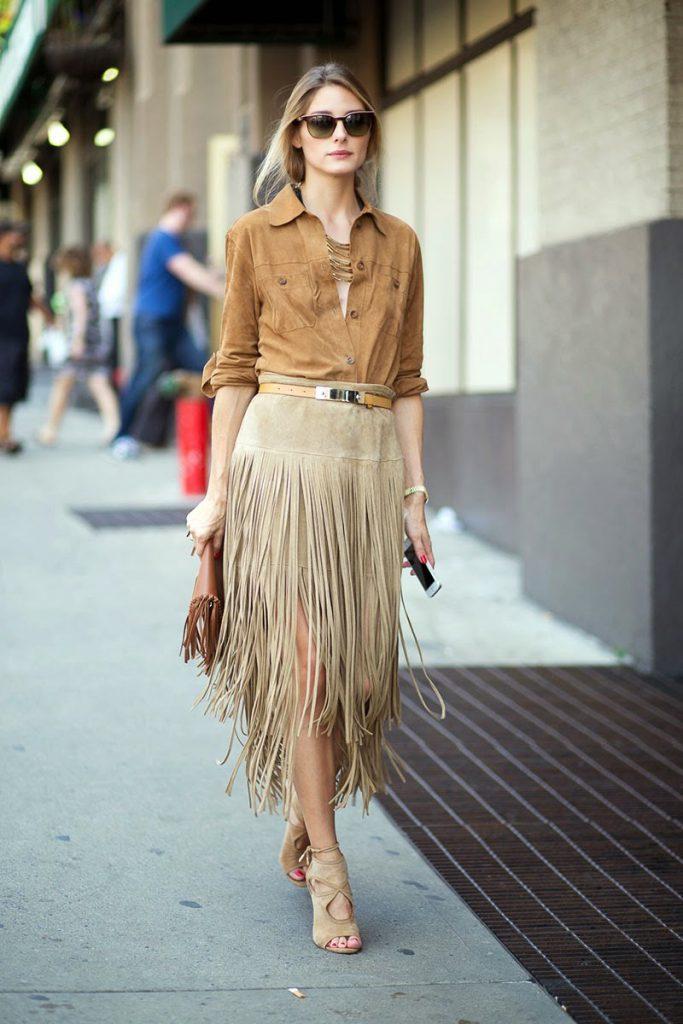 Бежевые замшевые босоножки с замшевой одеждой