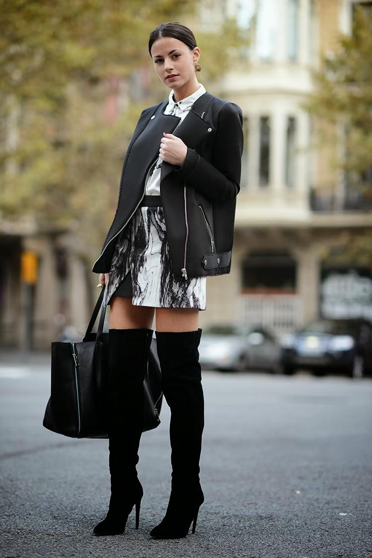 Черные замшевые сапоги на каблуке