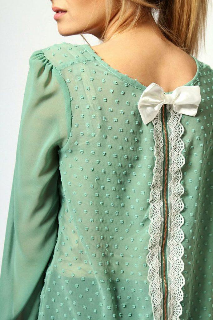 Украшение зеленой блузки