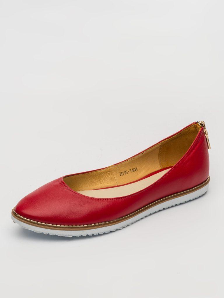 Модные кожаные красные балетки