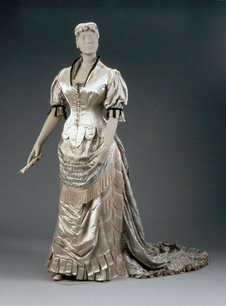Платье от Фредерика Уорта