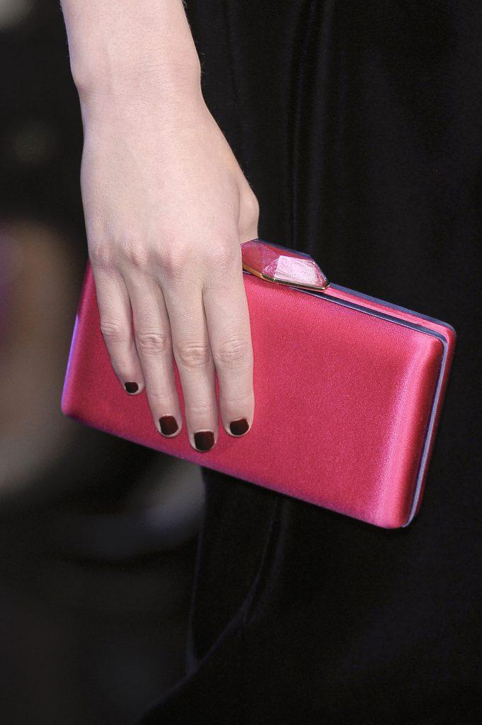 Модный розовый клатч