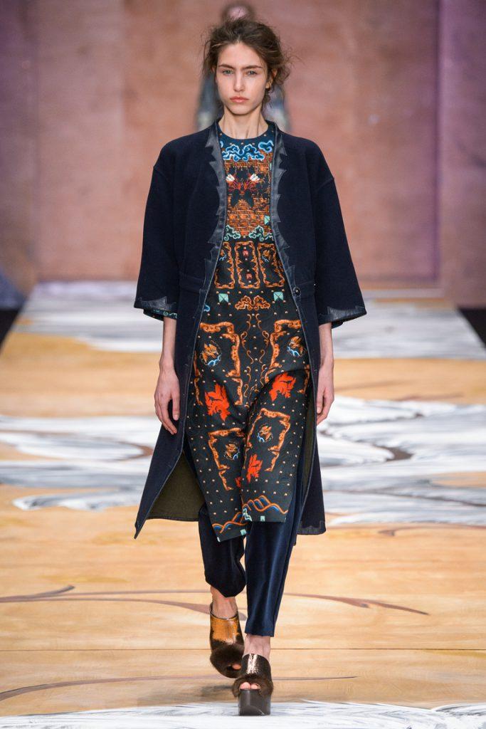Платье и пальто от Алены Ахмадуллиной