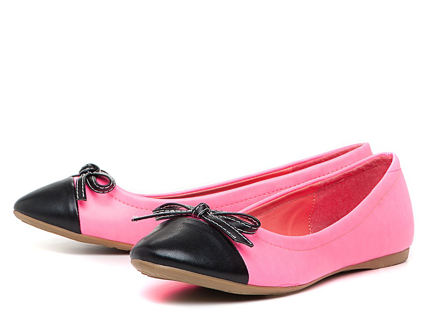 Черно-розовые балетки с бантиками