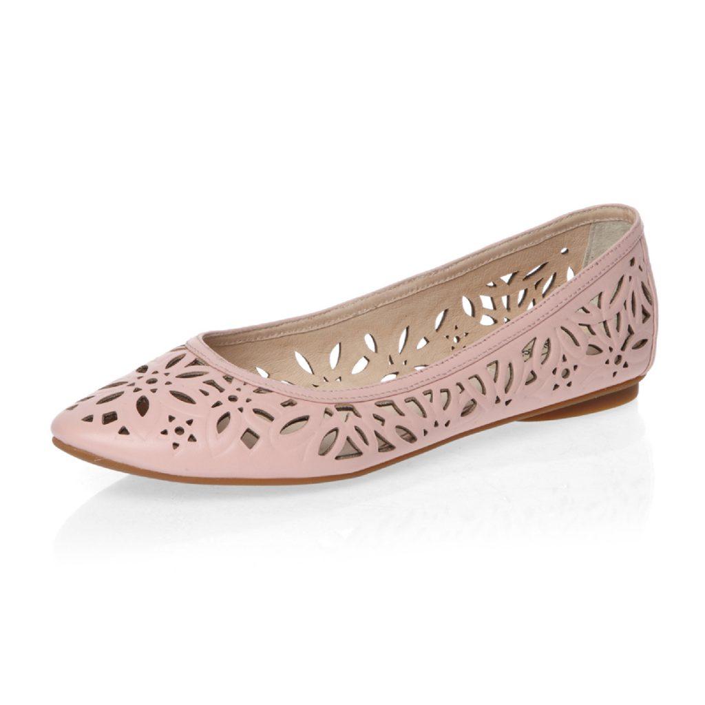 Модные розовые балетки с перфорацией