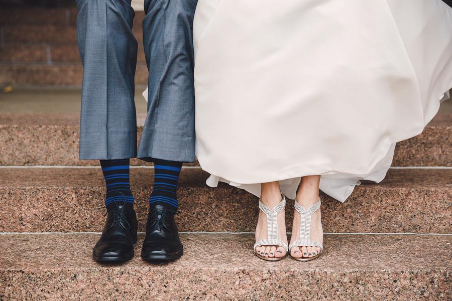 Серебряные свадебные босоножки