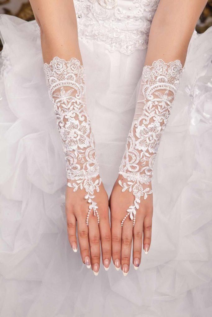 Длинные кружевные свадебные перчатки без пальцев