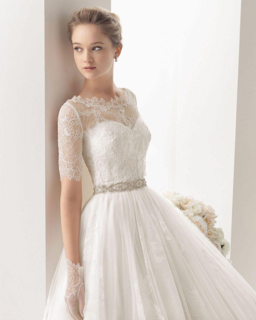 Короткие белые кружевные свадебные перчатки