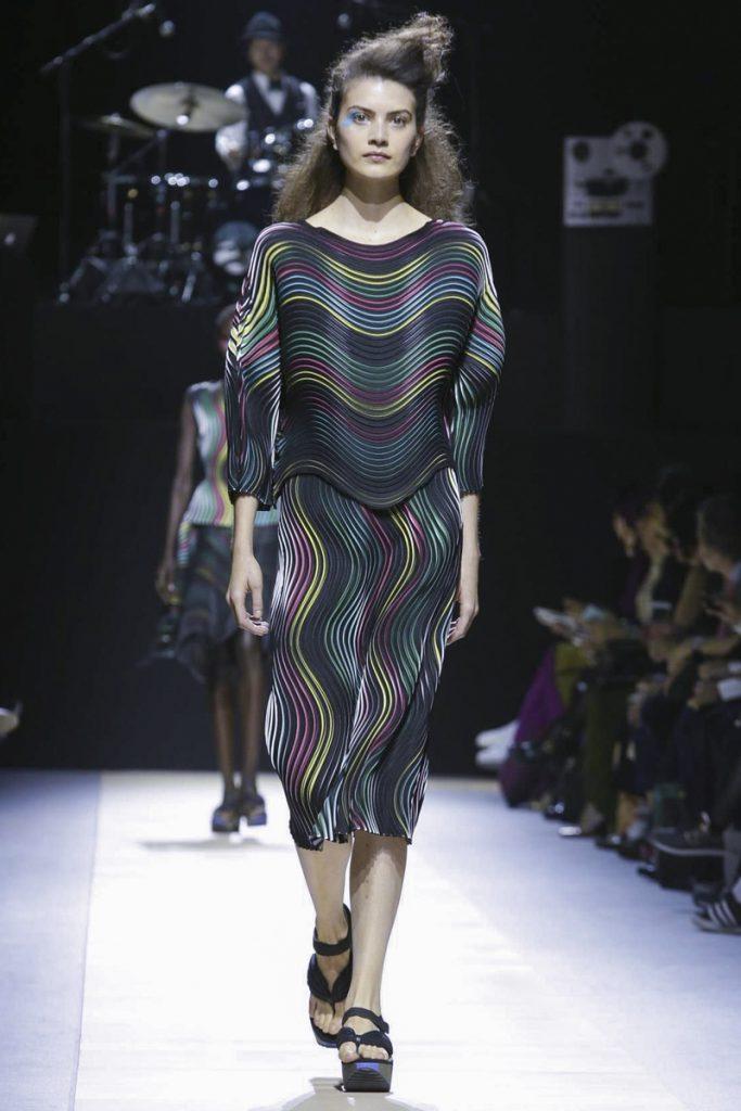 Одежда от японского дизайнера Иссей Мияке