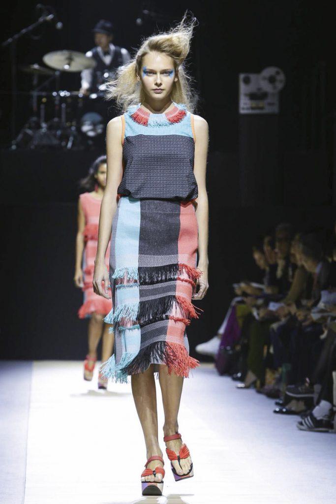 Модная одежда от японского дизайнера Иссей Мияке