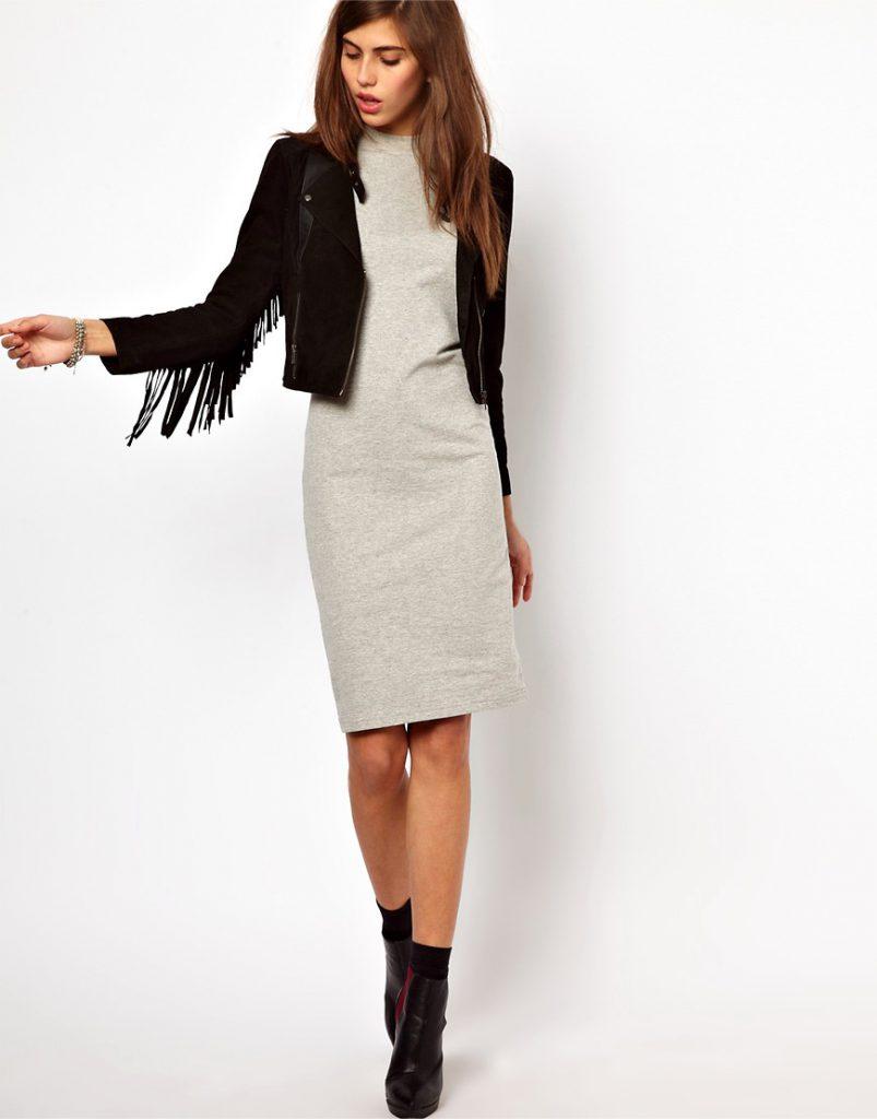 Черная замшевая куртка с серым платьем