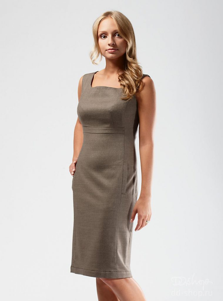 Коричневое зимнее платье-сарафан