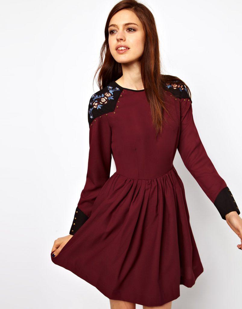 Бордовое зимнее платье