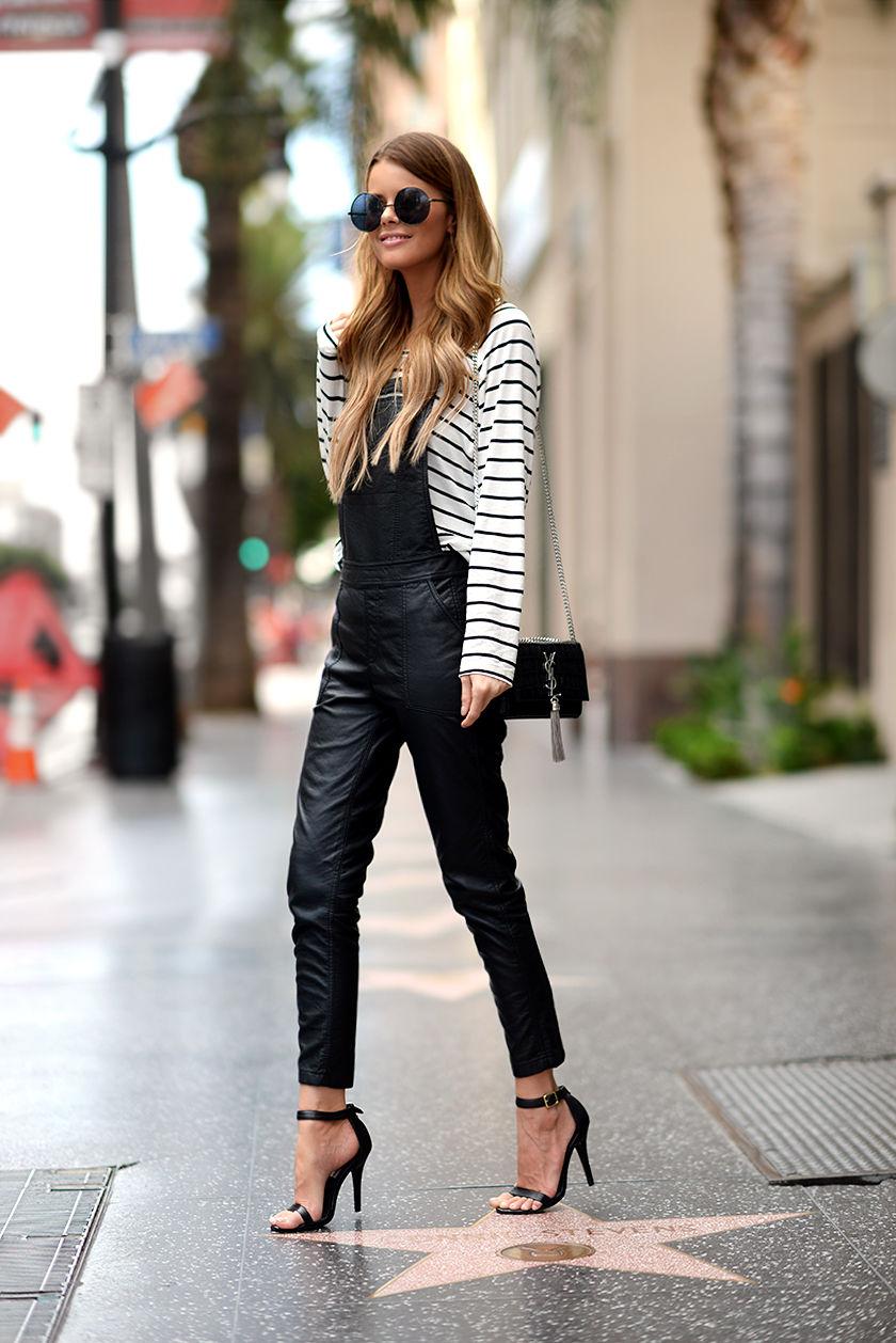 Черные босоножки с кожаным комбинезоном и кофтой