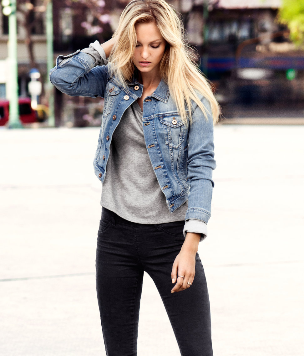 Модная женская джинсовая куртка