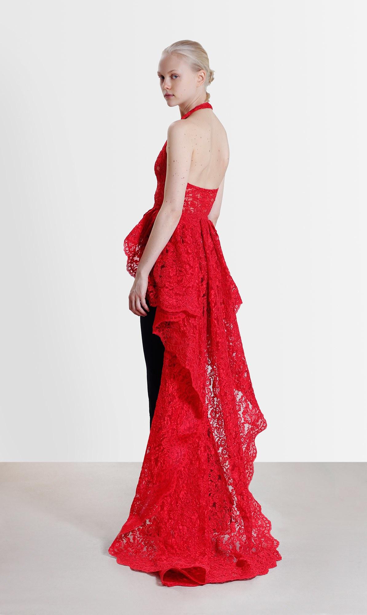Красное платье из круизной коллекции
