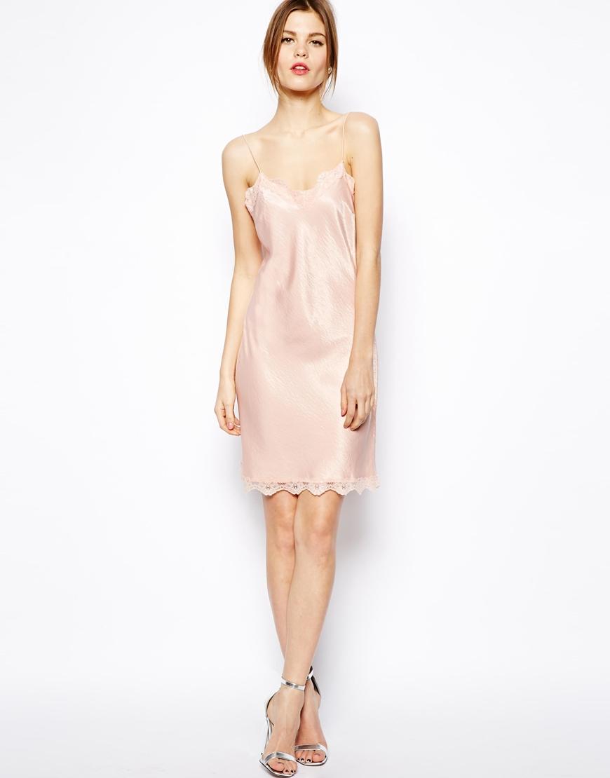 Платье-комбинация светлого оттенка