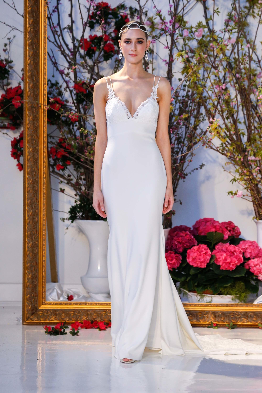 Модное свадебное платье-комбинация