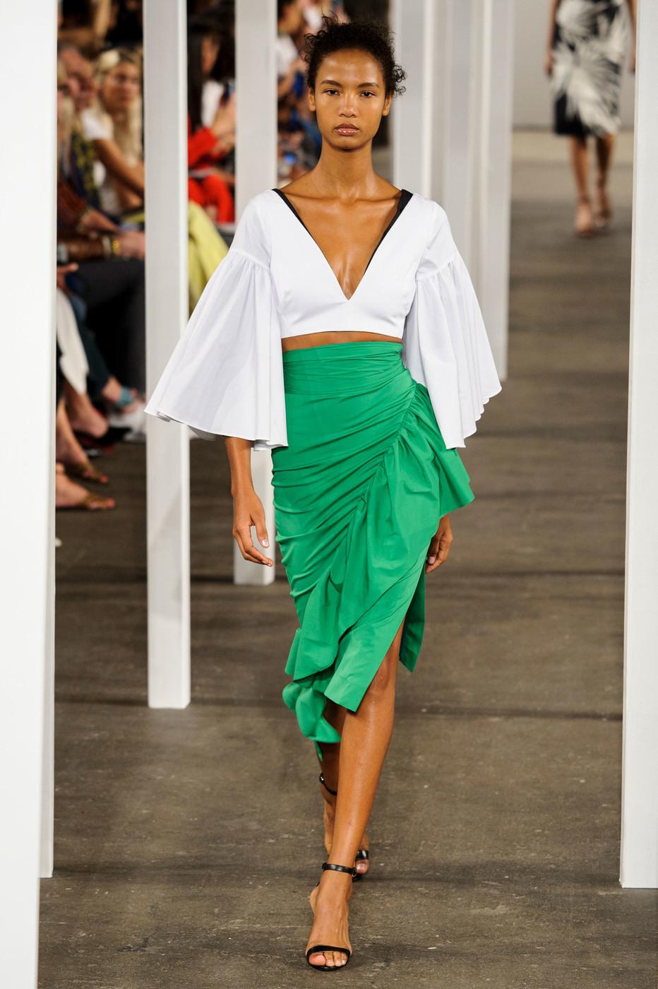 Асимметричная атласная юбка