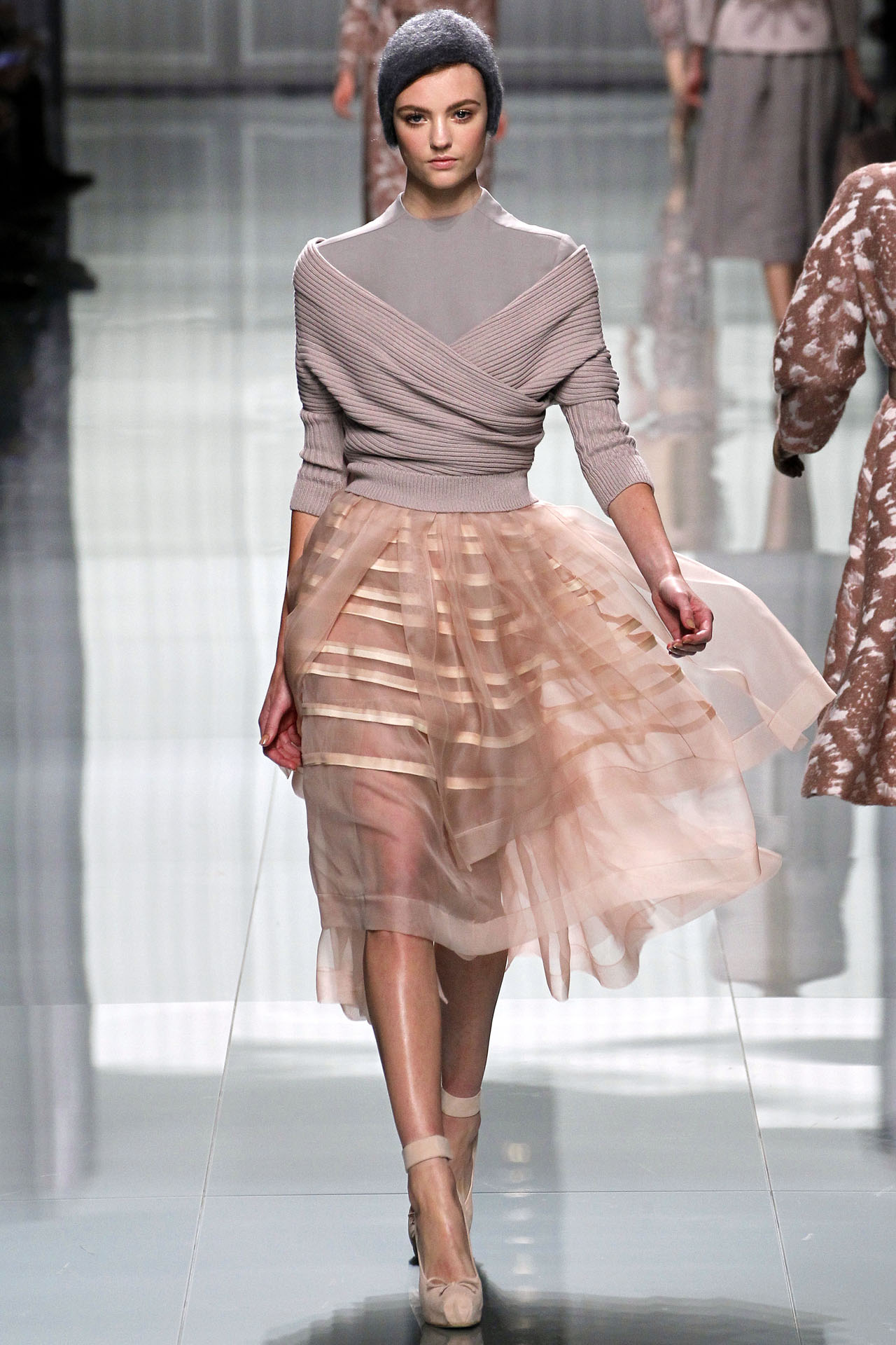 Бежевая юбка из органзы