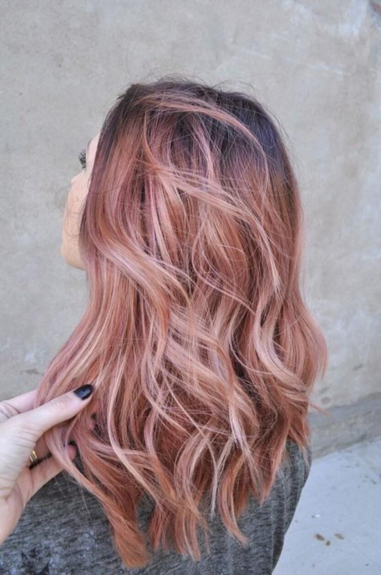 Брондирование розовым блондом