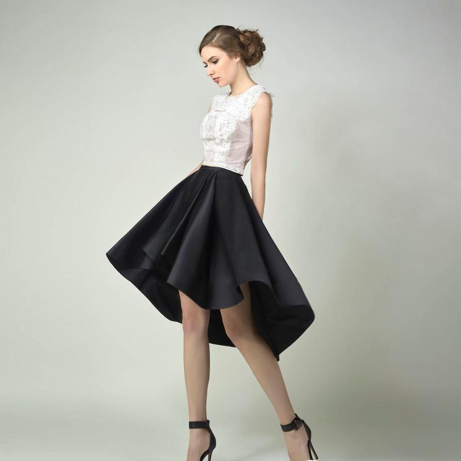 Черная атласная юбка
