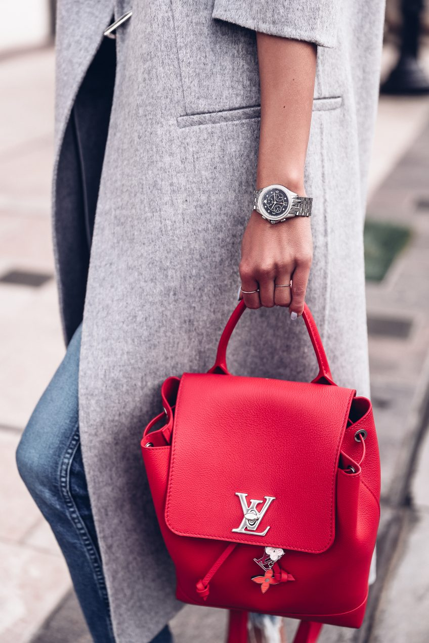 Красный рюкзак из кожи