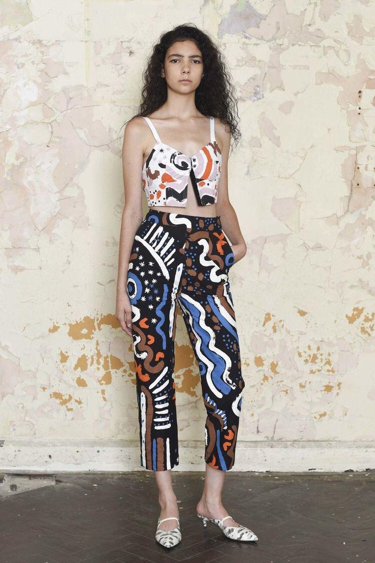 Модные брюки с рисунком