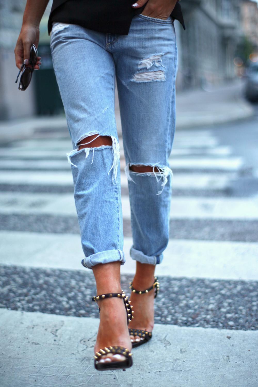 Дырки на джинсах на коленях своими руками фото