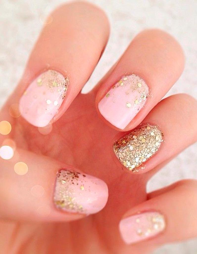 Дизайн ногтей розовый и золотой