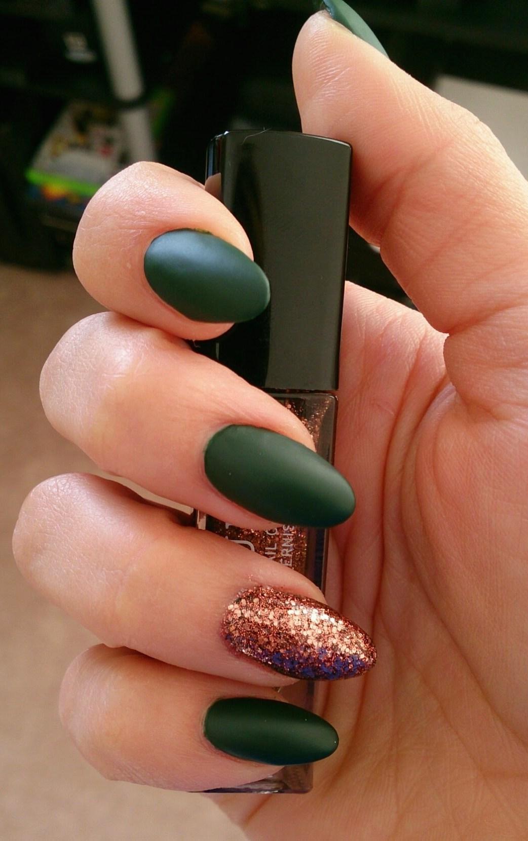 макияж фиолетовыми тенями для зеленых глаз фото