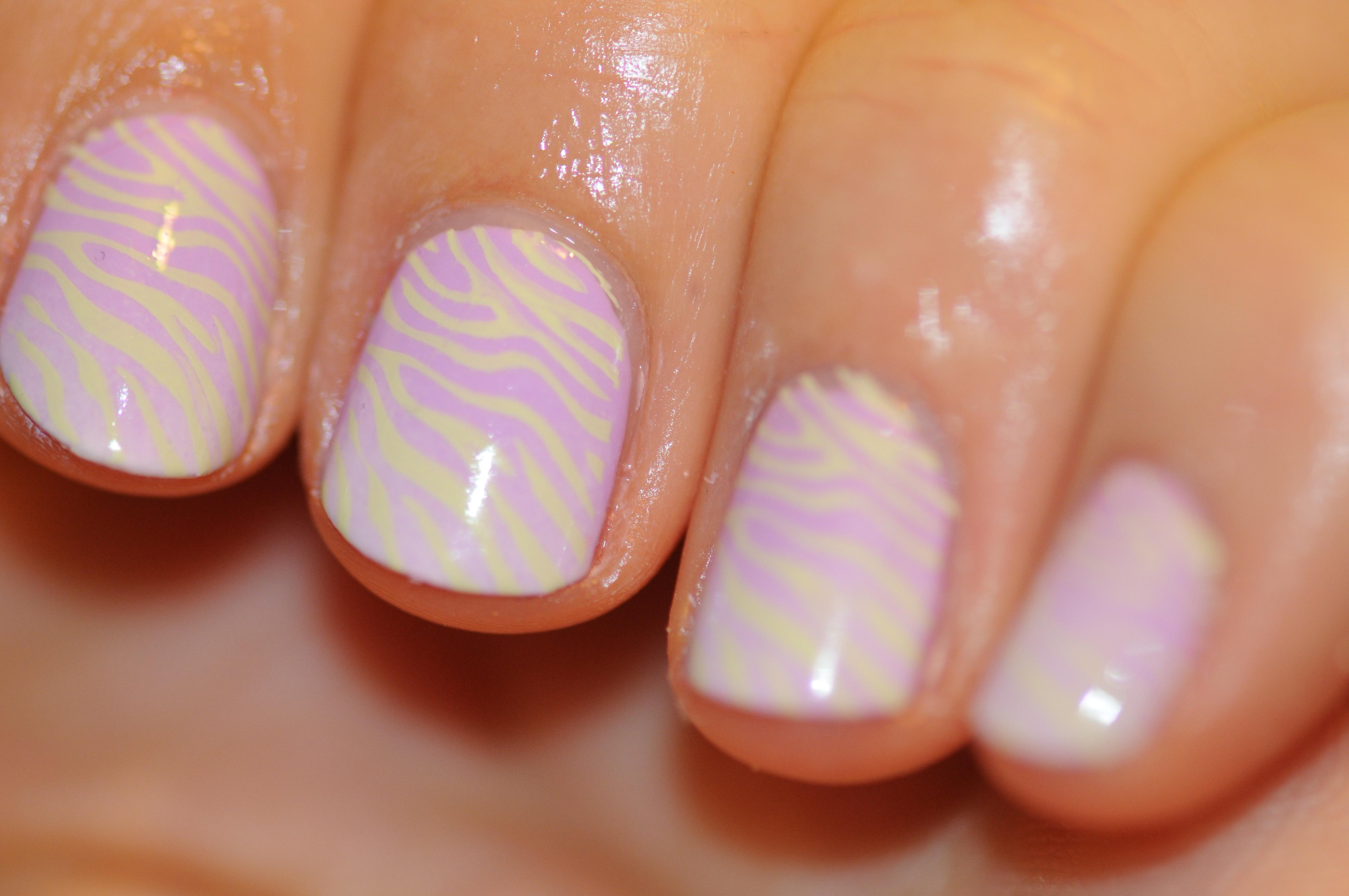 Лак для ногтей пастельных тонов фото