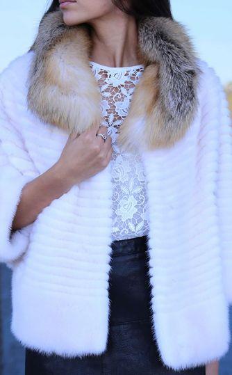 Стильная белая шуба:  натуральная или искусственная