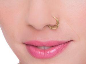Пирсинг в носу: самое главное о модных модификациях тела
