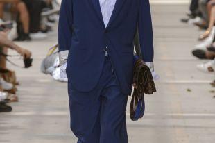 Мужской клатч: современный модный аксессуар и стильный подарок